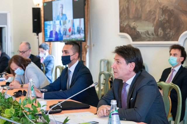 PM Conte calls for 'courageous plan' to save Italy at talks with EU and IMF