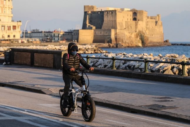 Covid-19: Italy's new cases exceed 5,000 as Campania considers local lockdown