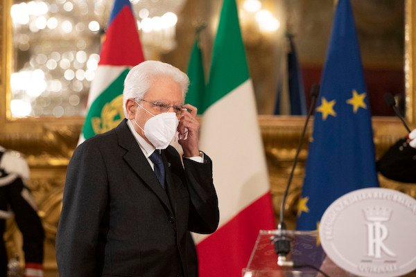 Italy's president allows four days of talks over political crisis