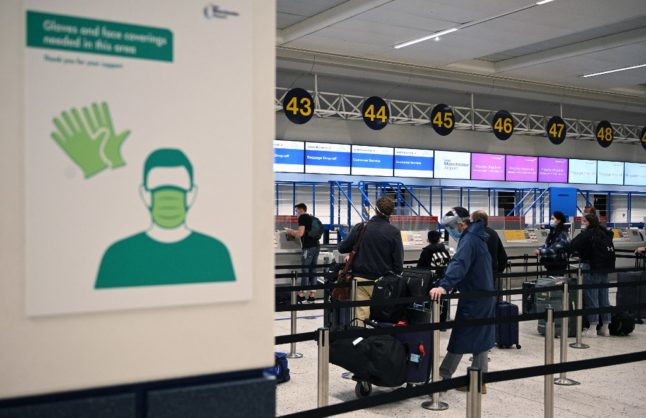 Covid-19: Italy cuts quarantine time for travellers from the UK and Austria