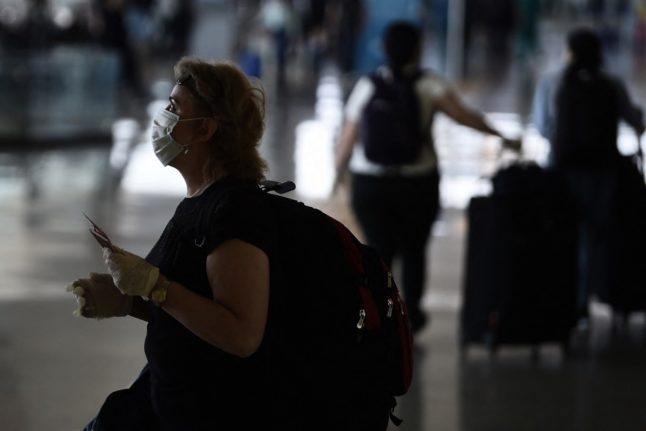 TRAVEL: Italy extends quarantine for EU travellers until mid-May
