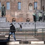 Covid-19: Italy relaxes rules in six regions as contagion rate falls