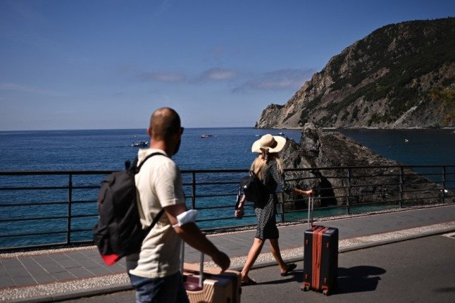 How to find out the latest rules on travel to Italy from any country