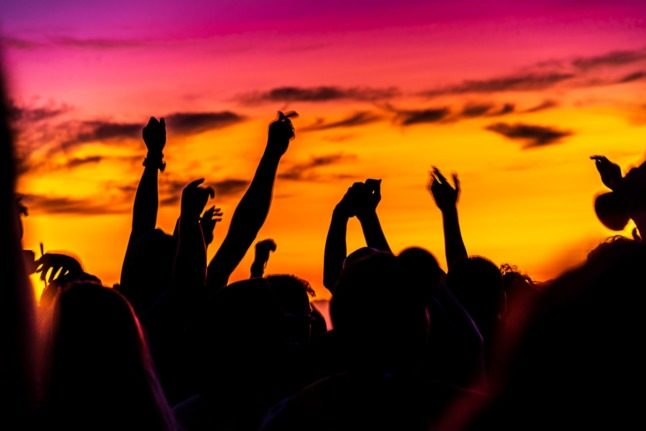Day trips and illegal raves blamed for Covid-19 surge in Italy's tourist hotspots