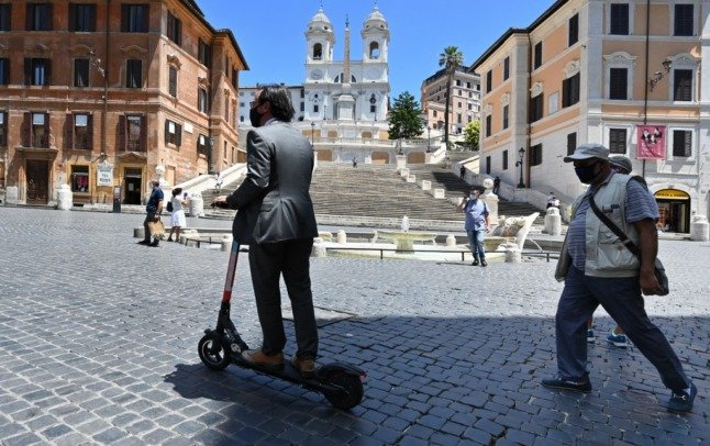 Italy expands e-scooter crackdown and plans bigger fines for phone-using drivers