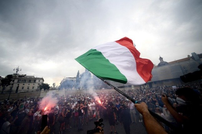 Protests have been a regular occurrence in Rome since the Italian green pass health certificate was launched. Photo.