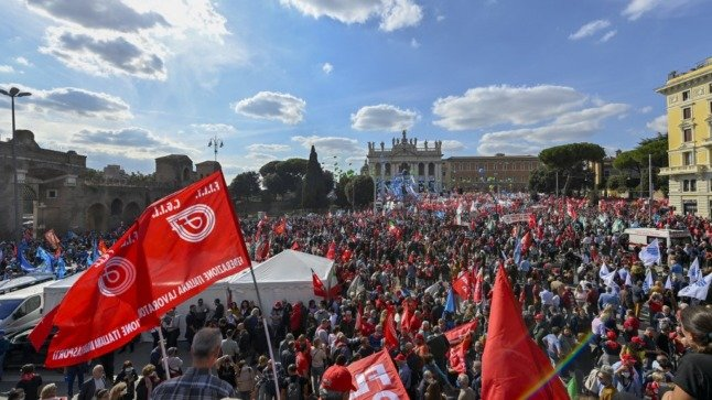 Thousands protest in Rome against fascist groups after green pass riots