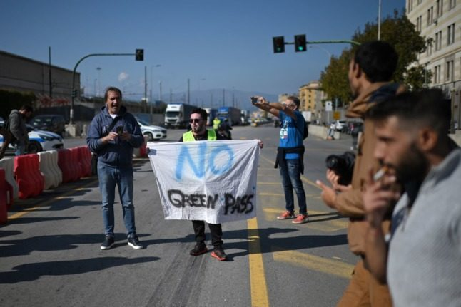 Covid green pass: How are people in Italy reacting to the new law for workplaces?